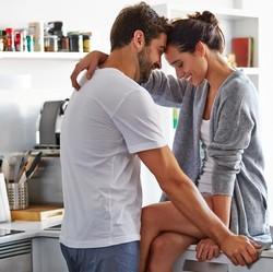 Tertarik Mencoba? 4 Posisi Ehem Paling Nyaman untuk Wanita