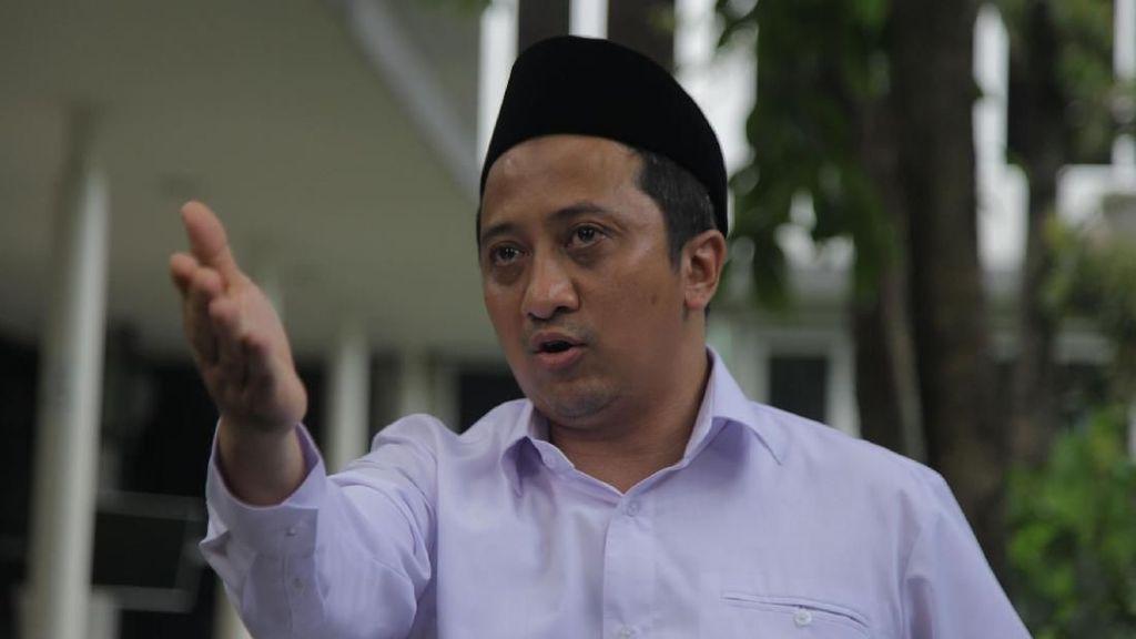 Yusuf Mansur Puji Mahasiswa Pendemo Saling Ucap Salam
