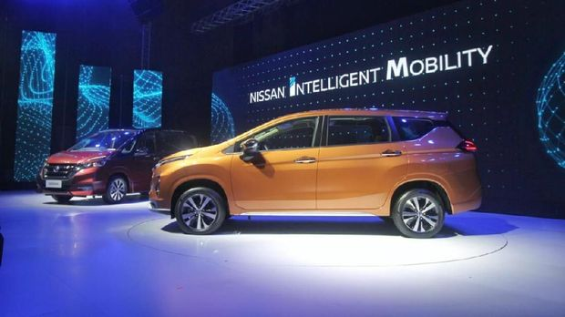 Nissan Motor Indonesia (NMI) meluncurkan dua produk generasi baru, Serena dan Livina di Jakarta, Senin (19/2)