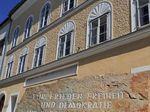Rumah Kelahiran Hitler dan 8 Tempat Paling Kontroversial di Dunia