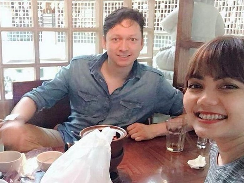 Calon Suami Bagi Kenangan Manis saat ke London Bareng Rina Nose