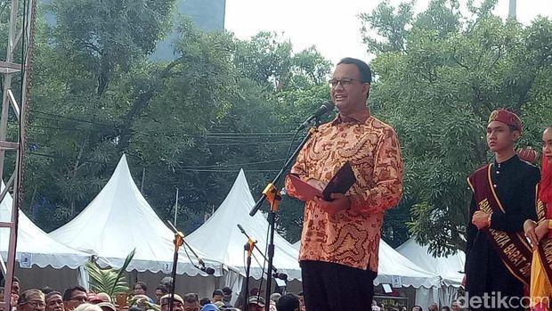 Kunjungi Perayaan Cap Go Meh di Glodok, Anies Didoakan Hoki