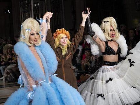 Desainer Pam Hogg jadi sensasi tampilkan rambut kemaluan palsu di fashion show