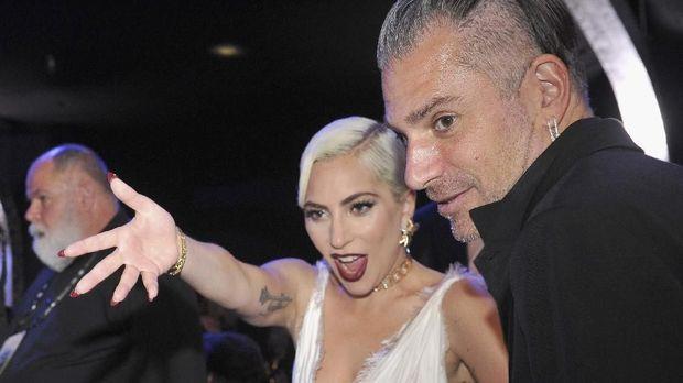 Lady Gaga dan Christian Carino masih bersama di SAG Awards 2019, Januari lalu.