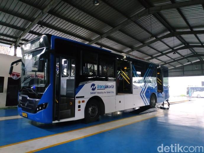 Bus Mayasari yang Kini Berseragam Transjakarta