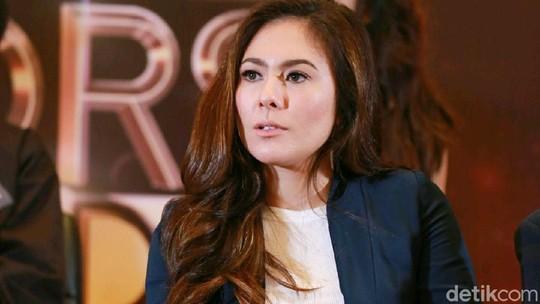 Wulan Guritno, Hot Mom yang Bikin Netizen Salah Fokus