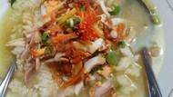 Lagi Flu? Enaknya Sarapan Nasi Sop yang Hangat Kaya Nutrisi Ini