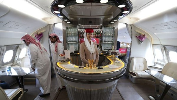 Rute Dubai ke Sao Paolo oleh Emirates memiliki kabin First Class Private Suite. Adalah yang pertama di penerbangan A380 ke Amerika Selatan (CNN Travel)