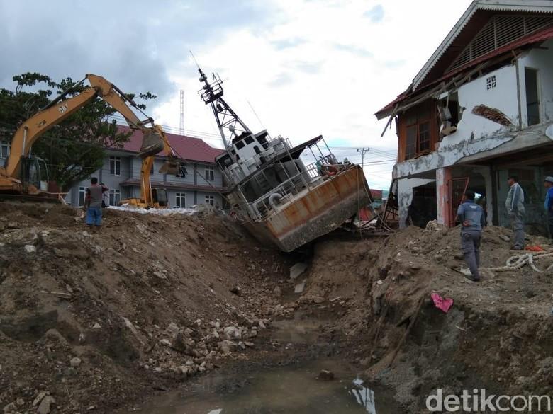 Sempat Terbang Terbawa Tsunami Palu, Kapal TNI AL Kini Melaut Lagi
