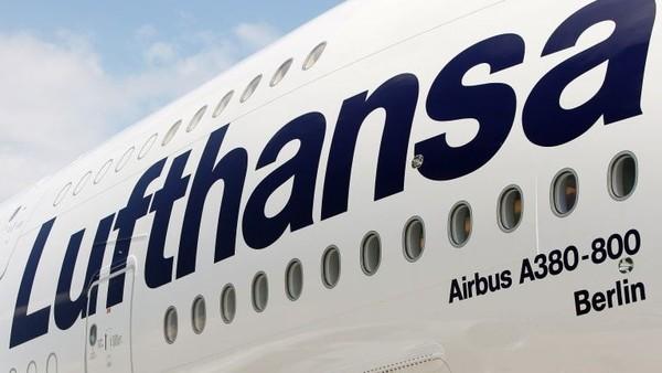 Lufthansa A380 memiliki beberapa fitur keren. Ada pelembap kabin otomatis dan tirai kedap suara di rute Frankfurt-Shanghai (CNN Travel)