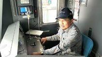 Momen Jusuf Kalla Jajal Kursi Masinis MRT Jakarta