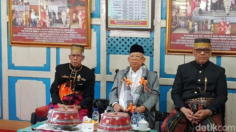 Berkunjung ke Makassar, Maruf Amin Diberi Gelar Karaeng