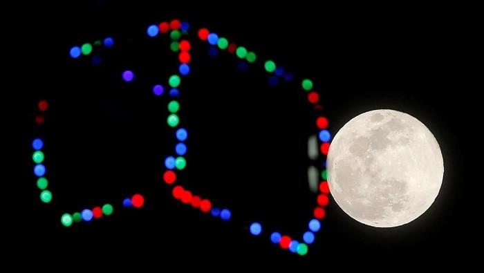 AS mau kirim astronot lagi ke Bulan. (Foto: REUTERS/Jon Nazca)