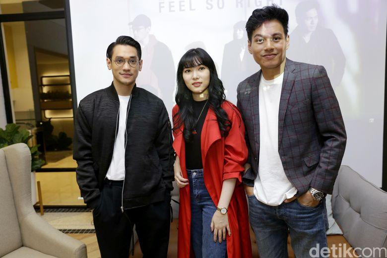 Afgan, Isyana Sarasvati dan Rendy Pandugo saat ditemui di kawasan Plaza Indonesia, Jakarta Pusat pada Rabu (20/2).Pool/Palevi S/detikFoto.