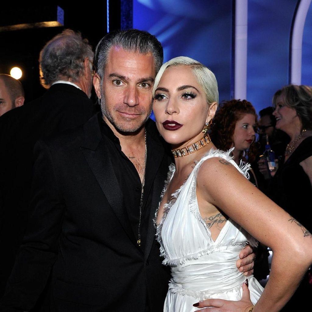 Batal Tunangan, Lady Gaga Murung Terus saat Liburan