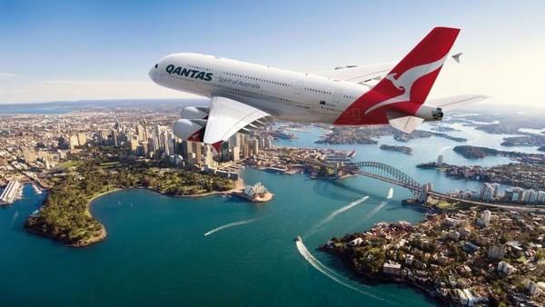 Maskapai Qantas yang pertama memiliki first class pada tahun 2008 dengan armada A380. Perjalanan Sydney-Hong Kong ini selama 9 jam 15 menit (CNN Travel)