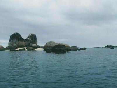 Serunya Island Hopping di Belitung