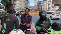Video: Driver Ojol Menggapai Senayan Berbekal Pulpen dan Stiker