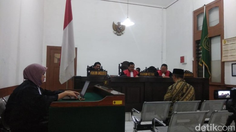 Penyuap Bupati Cirebon Divonis 1 Tahun Bui