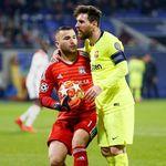 Lyon: Sulitnya Menahan Barcelona