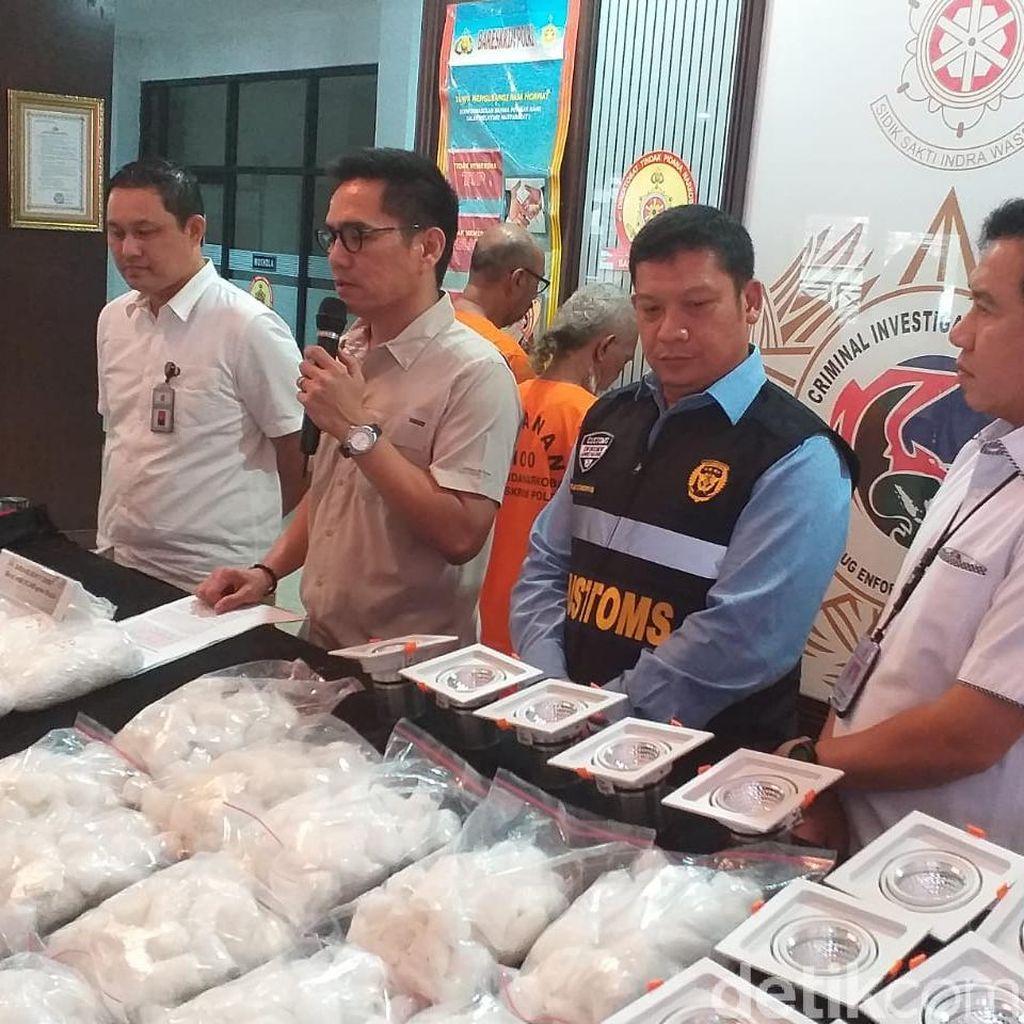 Bareskrim Bongkar Penyelundupan 30 Kg Sabu Dalam Lampu dari Malaysia