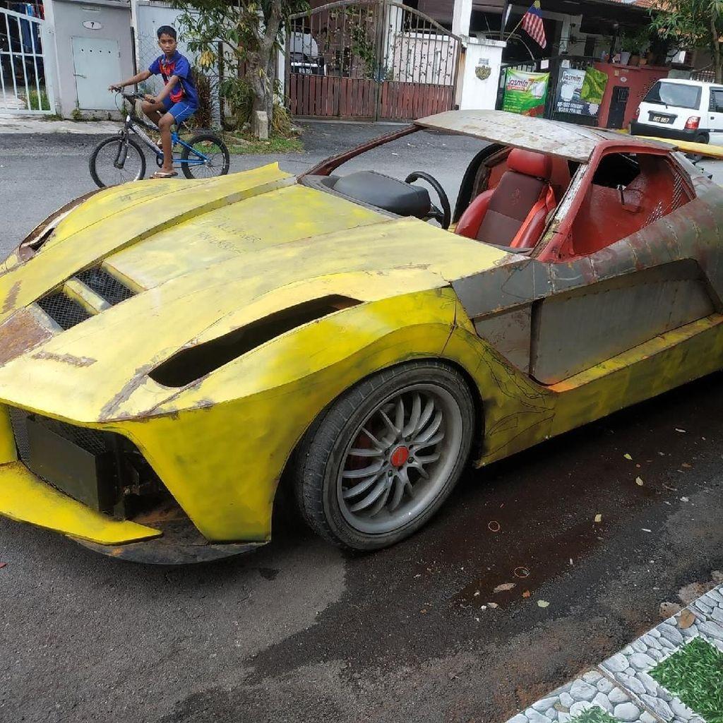 Nipu Mata! Ternyata Ferrari Karatan Ini Cuma Replika