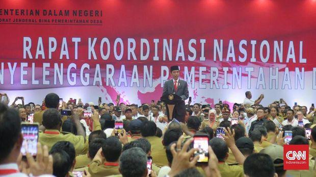 Guyon Jokowi saat Salah Kostum: Sekali-Kali Lebih Ganteng