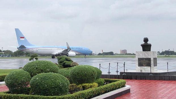 Jokowi dan Iriana terbang ke Singapura menjenguk Ani Yudhoyono.