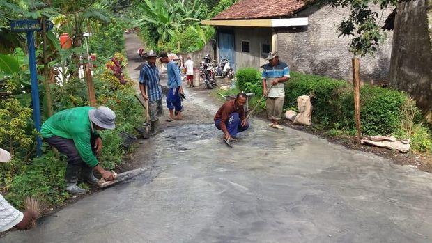 Cuit Dahnil Soal Jalan Bikin Pendamping Desa di Malang Sakit Hati