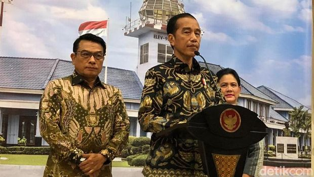 Jokowi menggelar jumpa pers sebelum bertolak ke Singapura.