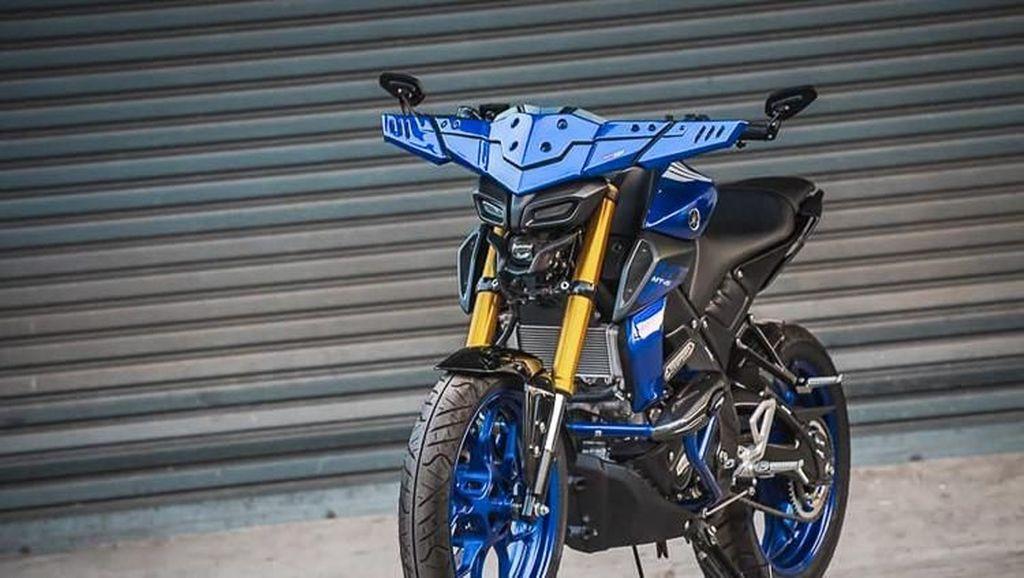 Modifikasi Tanduk Kerbau Yamaha MT-15 Ini Keren Gak?