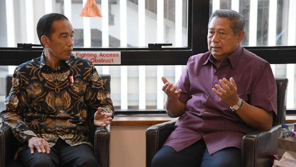 Momen Jokowi Jenguk Ani Yudhoyono dan Berbincang dengan SBY