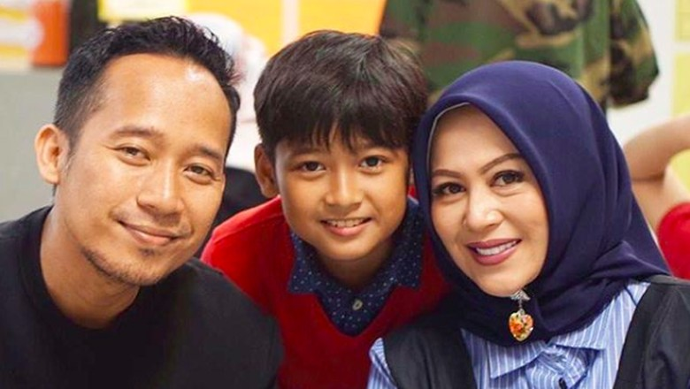 Denny Cagur dan anak/ Foto: Instagram