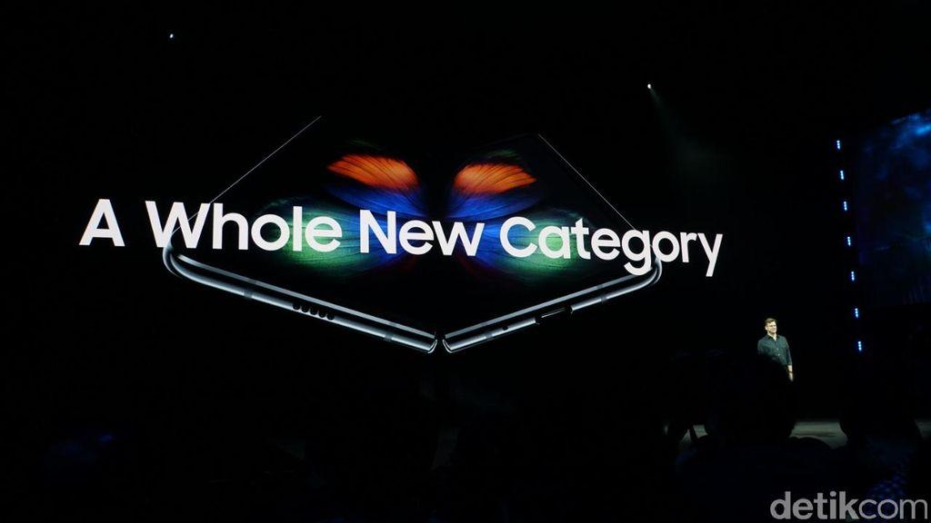 Seperti bocoran yang beredar, perangkat tersebut bernama Galaxy Fold. Foto: Muhamad Imron Rosyadi/detikINET