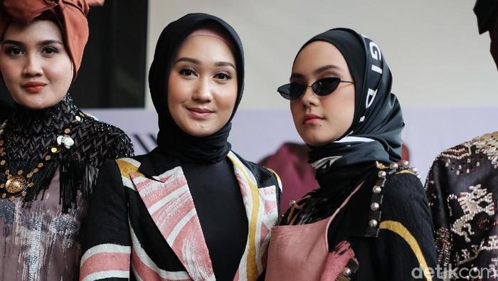 Tampil Di New York Fashion Week Baju Dian Pelangi Ditaksir Miss Usa