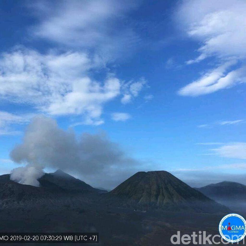 Soal Letupan Asap Bromo, Humas TNBTS: Wajar Karena Gunung Aktif