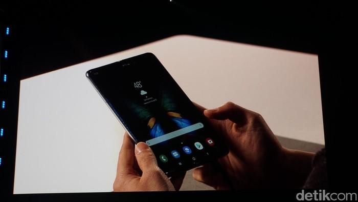 Ponsel layar lipat Galaxy Fold. Foto: Muhamad Imron Rosyadi/detikINET