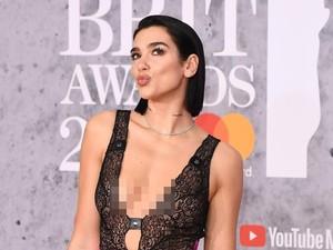 Foto: Bergaun Seksi, Dua Lipa Tebar Pesona di BRIT Awards 2019