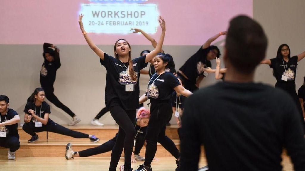 Puluhan Peserta Indonesia Menuju Broadway Dilatih 3 Pengajar dari New York