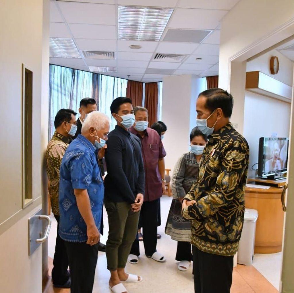 Jenguk Ani Yudhoyono, Jokowi Juga Berbincang dengan SBY