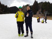 Yang Wajib Dilakukan di Negeri Sakura, Main Ski