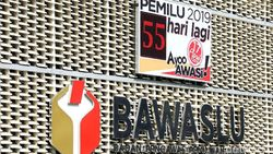 Aksi Pamer Stiker Prabowo di Sekolahan Berujung Pemecatan