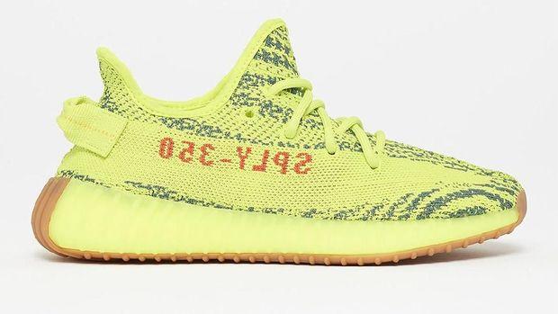 5 Jenis Sneakers Paling Laris yang Bisa Jadi Referensi Sepatu Baru