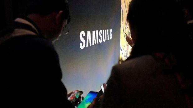 Setujukah Kalian Samsung Sebar Iklan di Ponsel Kamu?