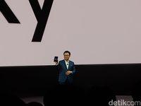 CEO divisi mobile Samsung, DJ Koh, saat memperkenalkan Galaxy Fold