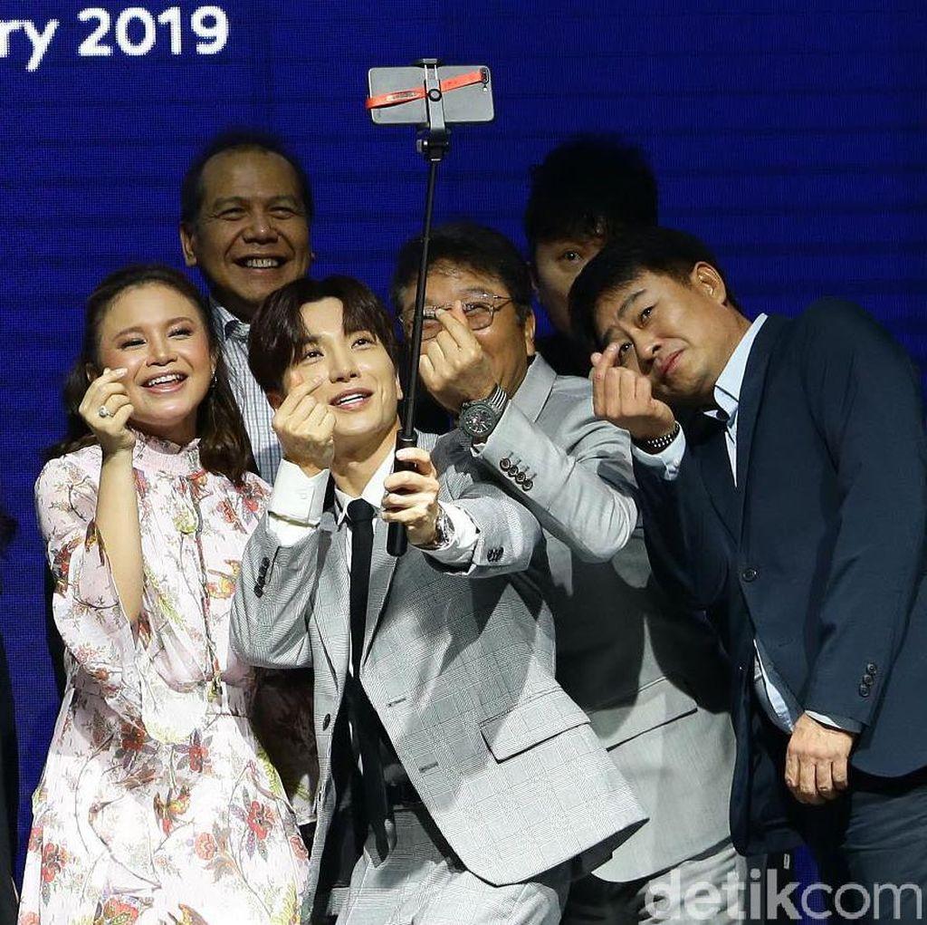 Ciuman Krisdayanti untuk Raul Lemos, Kerjasama Transmedia-SM Entertainment