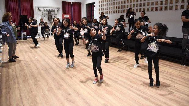 Puluhan Peserta 'Indonesia Menuju Broadway' Dilatih Tiga Pengajar dari New York