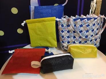 Tas serut dan tas anyaman juga oke nih buat belanja ke pasar atau supermarket. Selamat mencoba!
