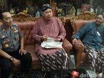 Cerita Guru SMKN 3 Yogya yang Didorong Siswa dan Videonya Viral