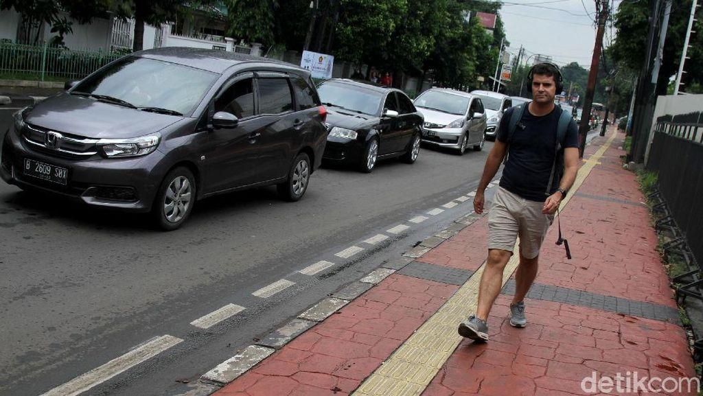 Kemang Bakal Jadi Kawasan Terbatas untuk Mobil Pribadi
